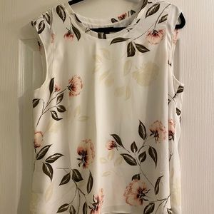RW&CO. Floral Blouse in Size XL